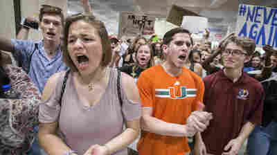 Florida Lawmakers Advance Bill Requiring Schools To Display 'In God We Trust'