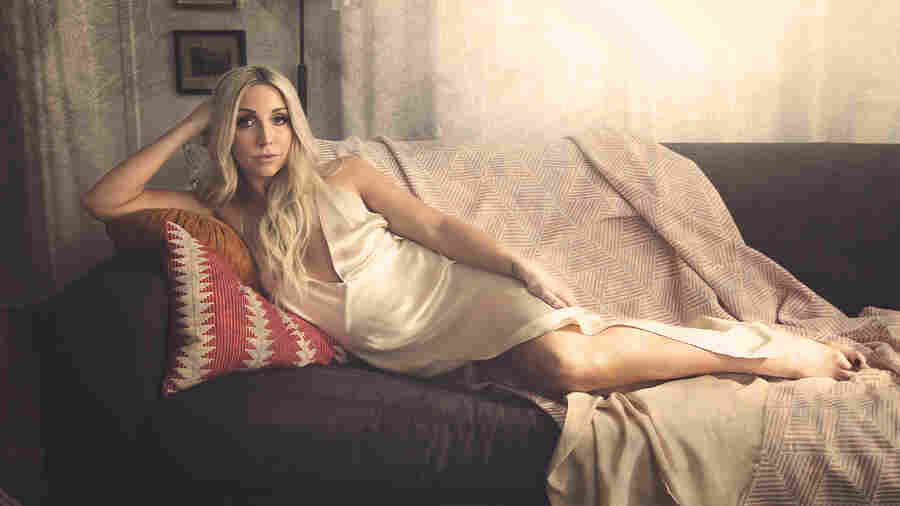 Ashley Monroe's 'Hands On You' Exudes Quiet (And Thirsty) Confidence