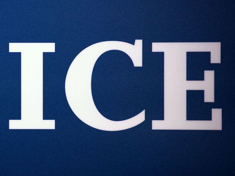 aclu sues ice for allegedly separating hundreds of migrant families