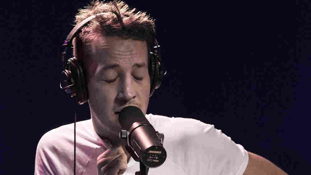 Watch Marlon Williams Perform 'What's Chasing You' Live In The Studio