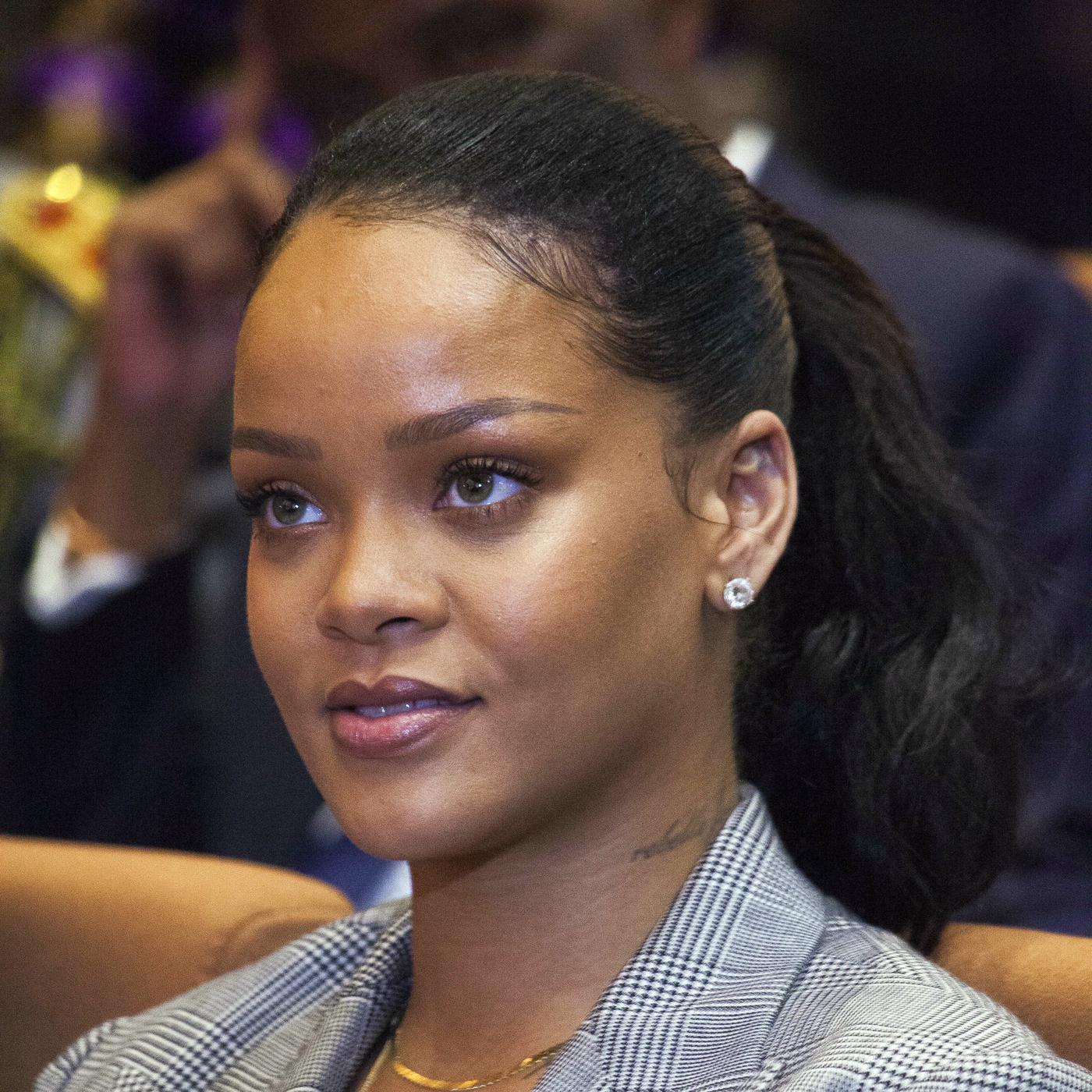 Snapchat's Stock Sinks After Rihanna Denounces Domestic