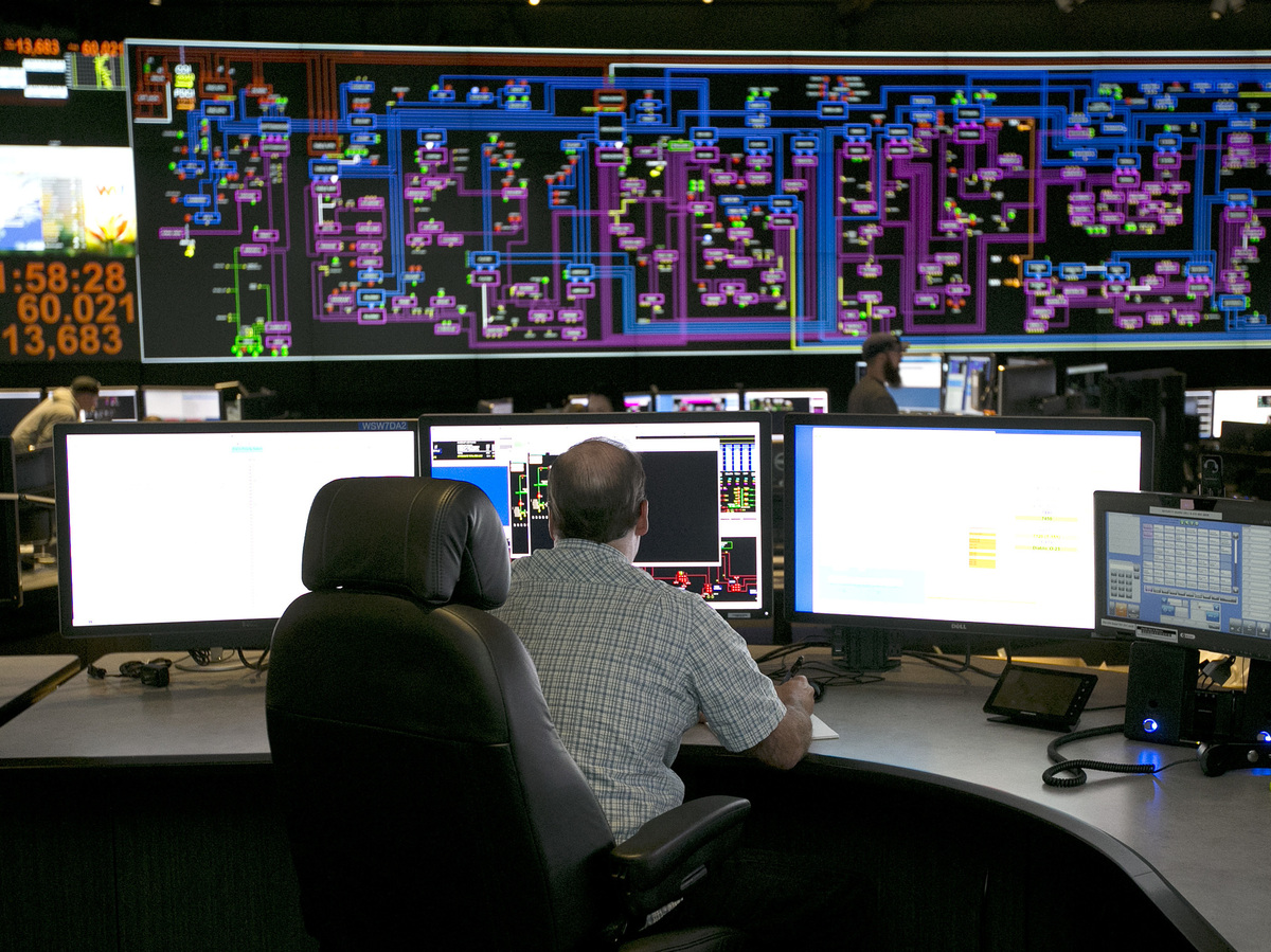 Electric Grid Monitor : Russia hacked u s power grid and other critical