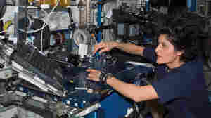 A NASA Astronaut Stays In Orbit With SpaceX And Boeing