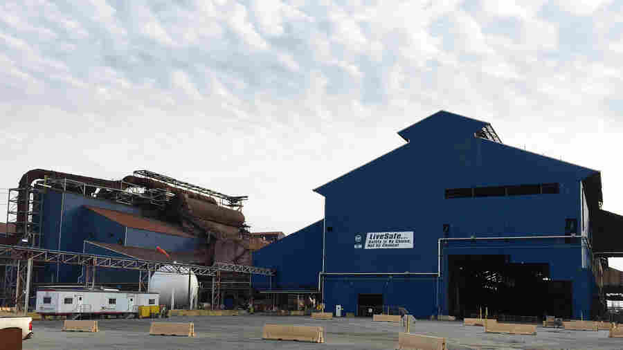 Illinois Town Tries Hard To Wean Off Of Steel