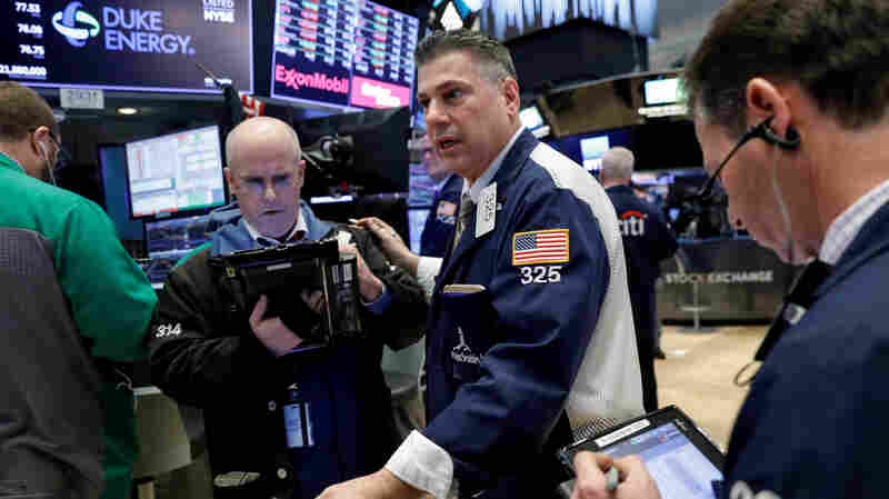 Dow Drops 724 Points Amid Fears Of A U.S. Trade War With China