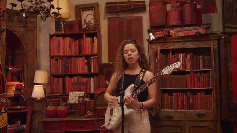 Nilüfer Yanya Sings A Lullaby In A Place Of Uncommon Objects