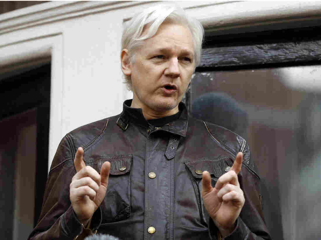 Ecuador suspends Assange's communication outside London Embassy