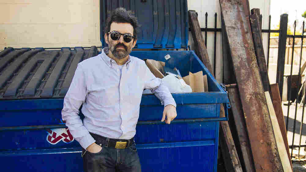 Eels' Mark Oliver Everett Reflects On Life In Constant Motion