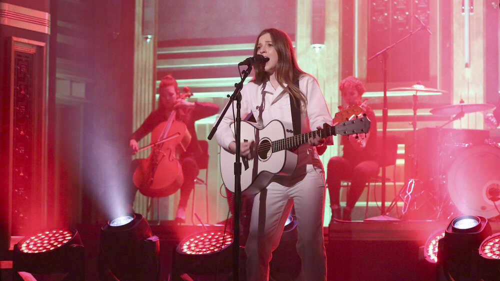 Rising Country Star Jade Bird Played 'The Tonight Show'