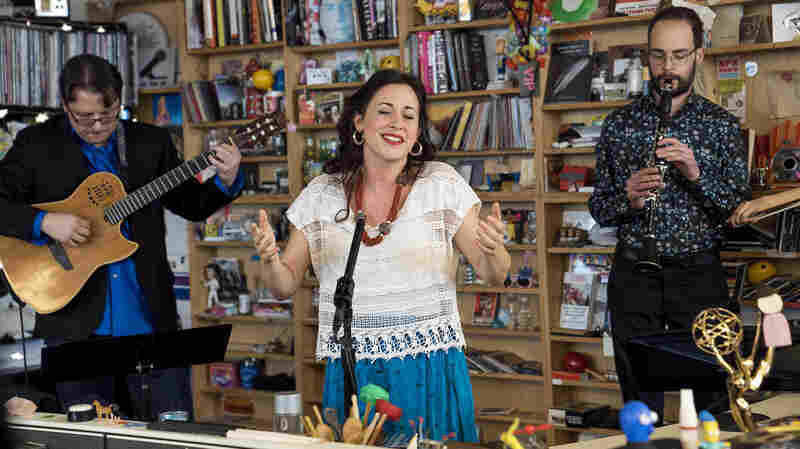 Lara Bello: Tiny Desk Concert