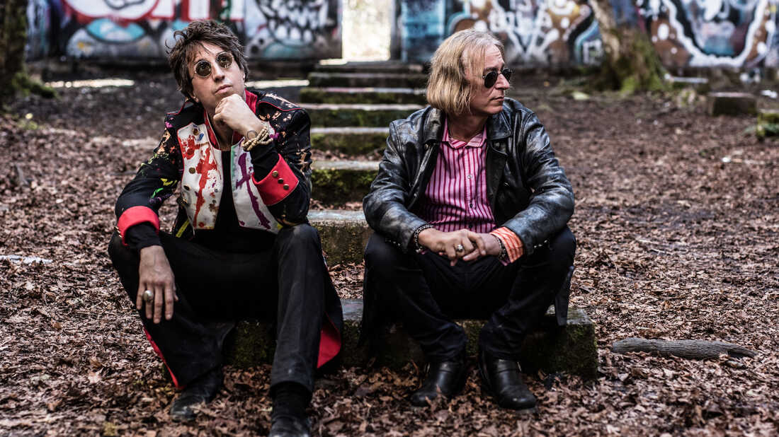 Joseph Arthur And R.E.M.'s Peter Buck Hold Onto Music For Survival