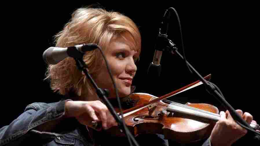 Alison Krauss & Union Station perform in 2005 on Mountain Stage