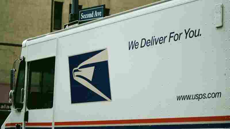 Trump Issues Order To Review Postal Service Finances Amid Criticism Of Amazon