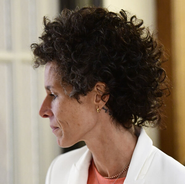 Cosby Accuser Andrea Constand Says She Takes The Stand 'For Justice'