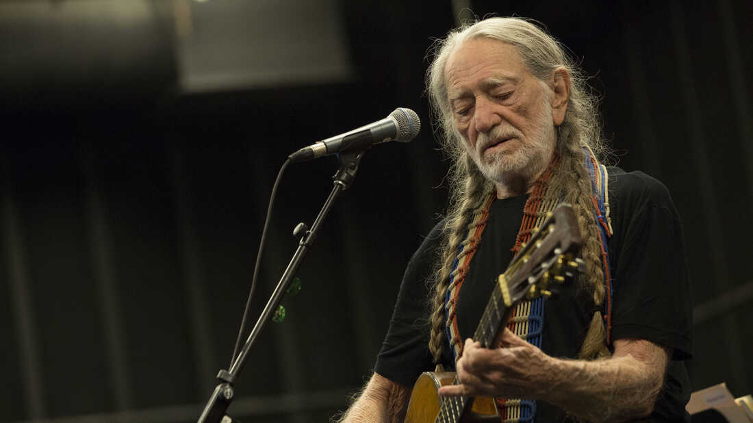 Despite Being The 'Last Man Standing,' Willie Nelson Stresses Good Cheer