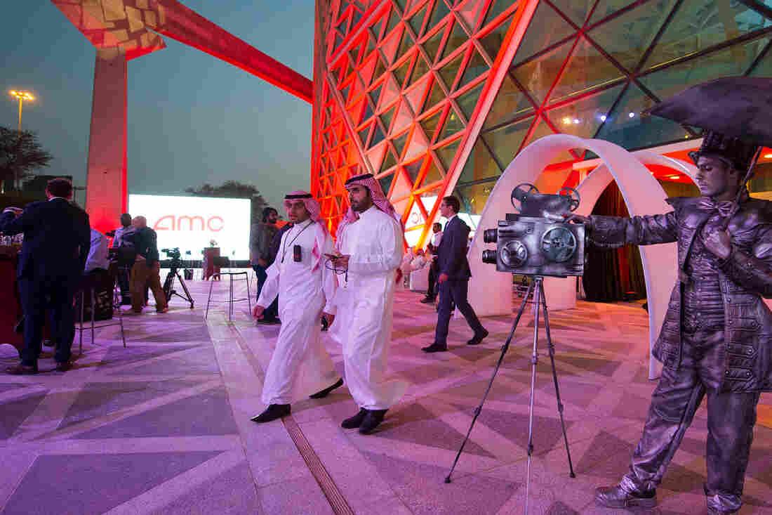 Dubai's VOX wins licence to operate Saudi cinemas
