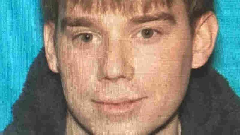 Naked Gunman Kills 4 In Waffle House Shooting, Remains At Large
