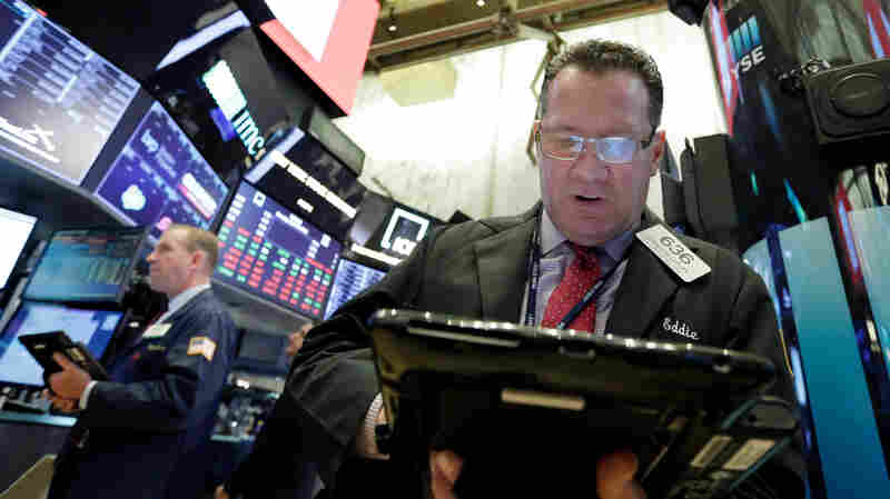 Interest Rate Rise Unsettles Stock Investors; Dow Falls 425 Points