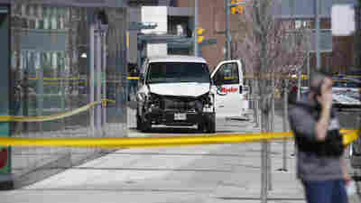 WATCH: Toronto Officer Praised For Restraint In Standoff With Suspected Van Driver