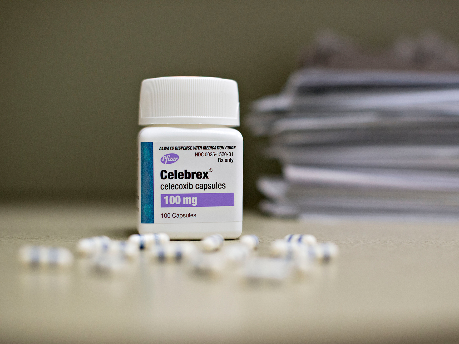 Celebrex As Safe As Ibuprofen And Naproxen, FDA Advisers Say : Shots -  Health News : NPR