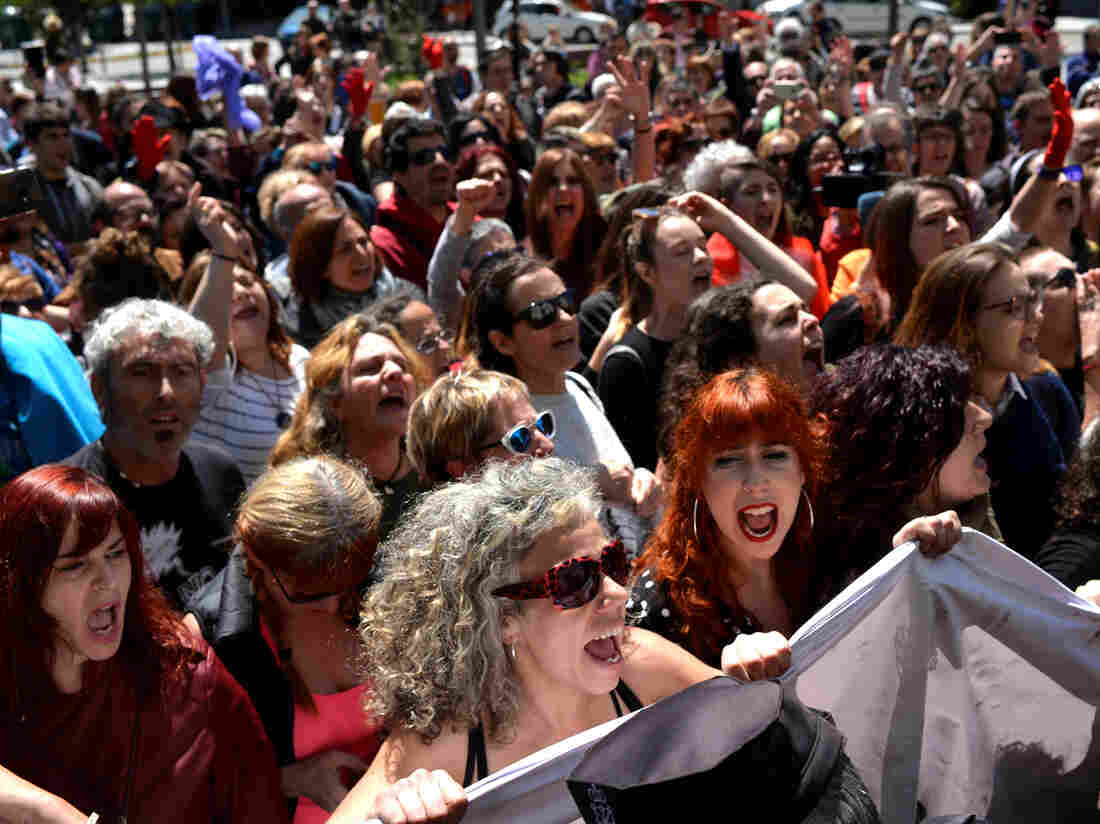 Protests continue in Spain over gang rape