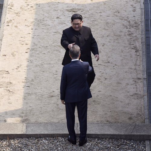 Kim, Moon Pledge Denuclearization Of Peninsula And End To Korean War