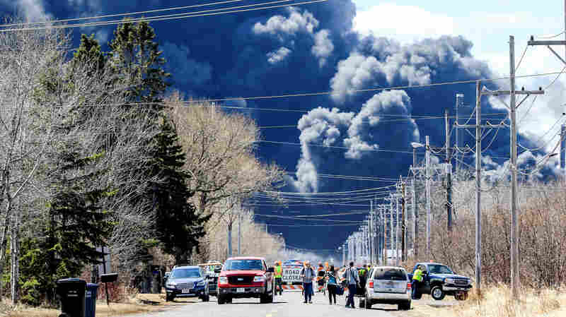 Emergency Evacuation Finally Lifted After Huge Oil Refinery Fire In Superior, Wis.