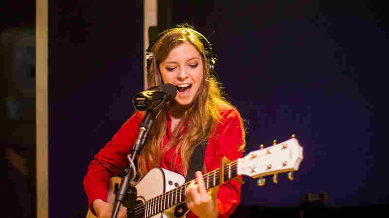 Watch Jade Bird Perform 'If I Die' Live In The Studio
