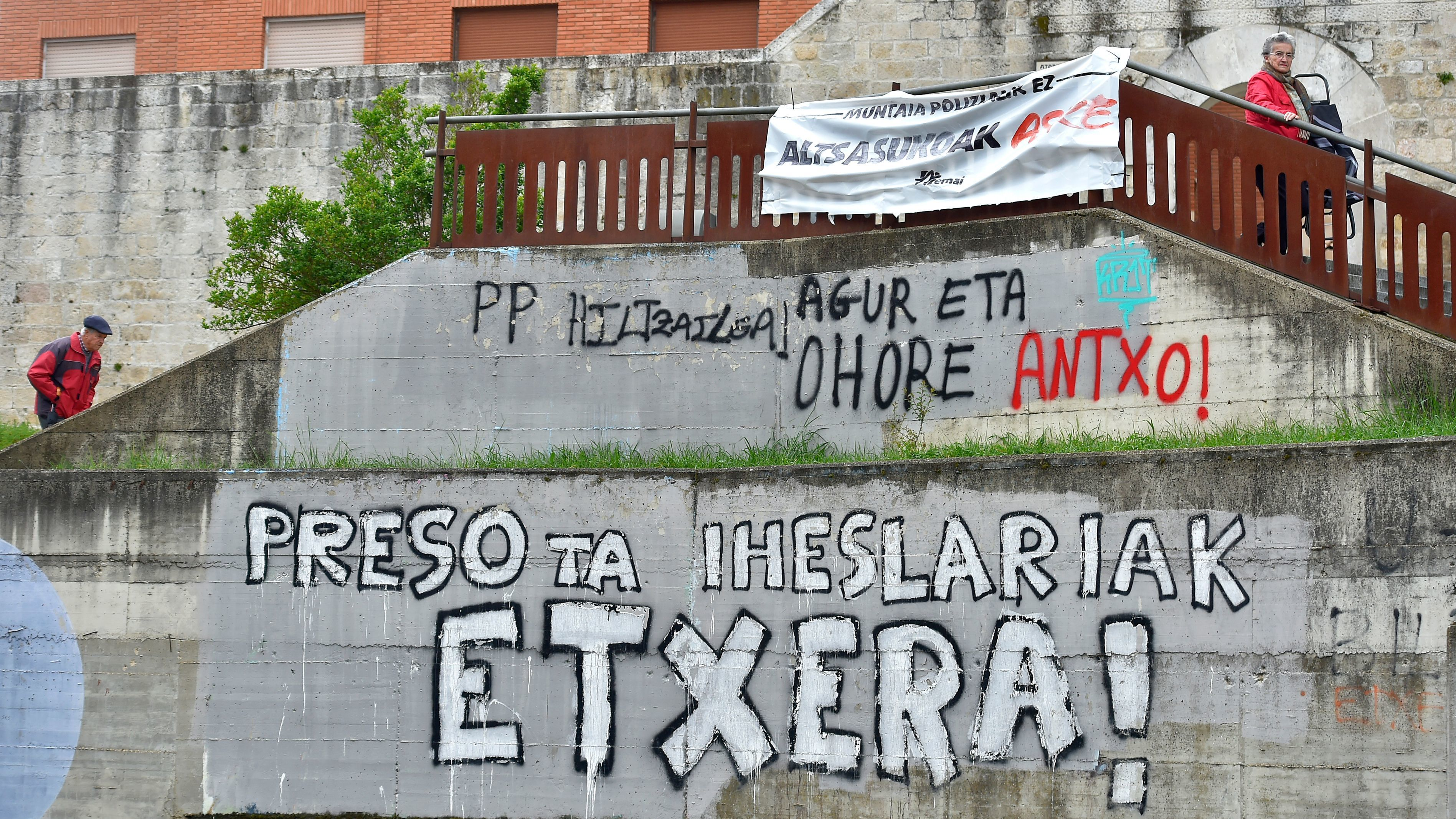 ETA's dissolution a 'farce,' says victims' group