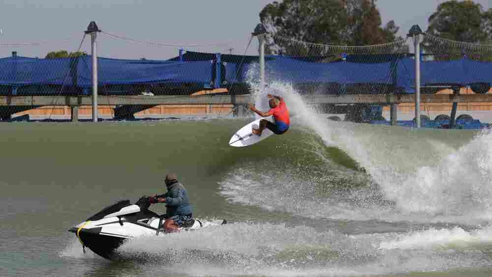 Surfers Head Inland To Compete On Machine-Made California Waves