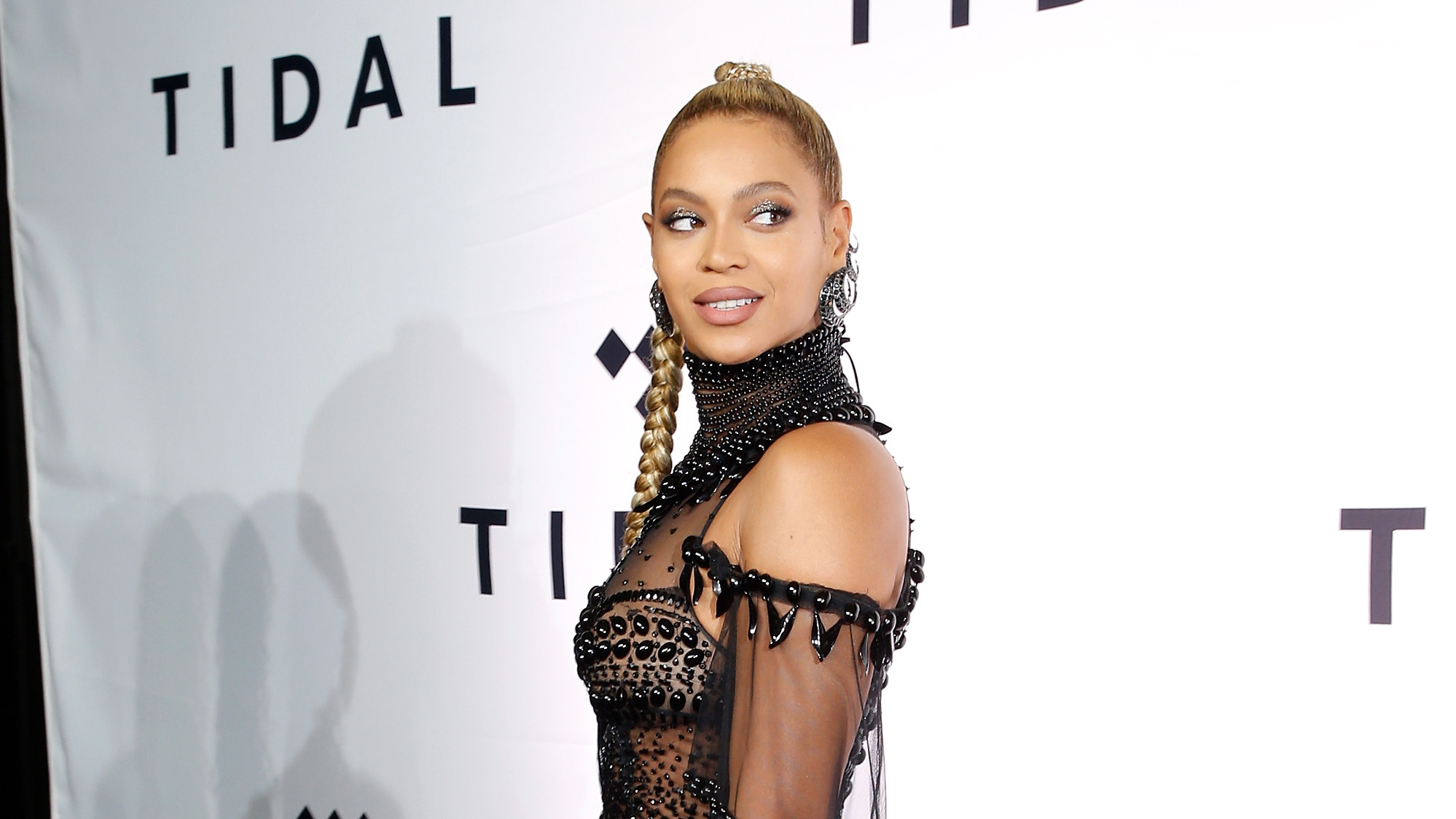 Tidal Accused Of Faking Hundreds Of Millions Of Plays For Kanye West And Beyoncé