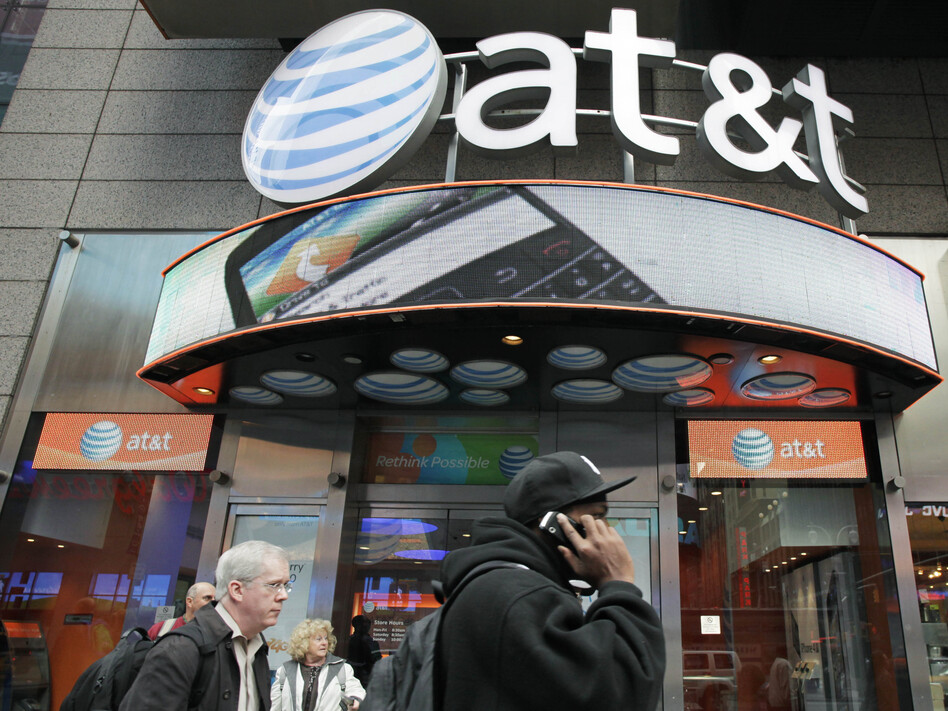 """AT&T CEO Randall Stephenson called his company's decision to hire President Trump's personal lawyer a """"big mistake."""" AT&T's top lobbyist is stepping down. (Mark Lennihan/AP)"""