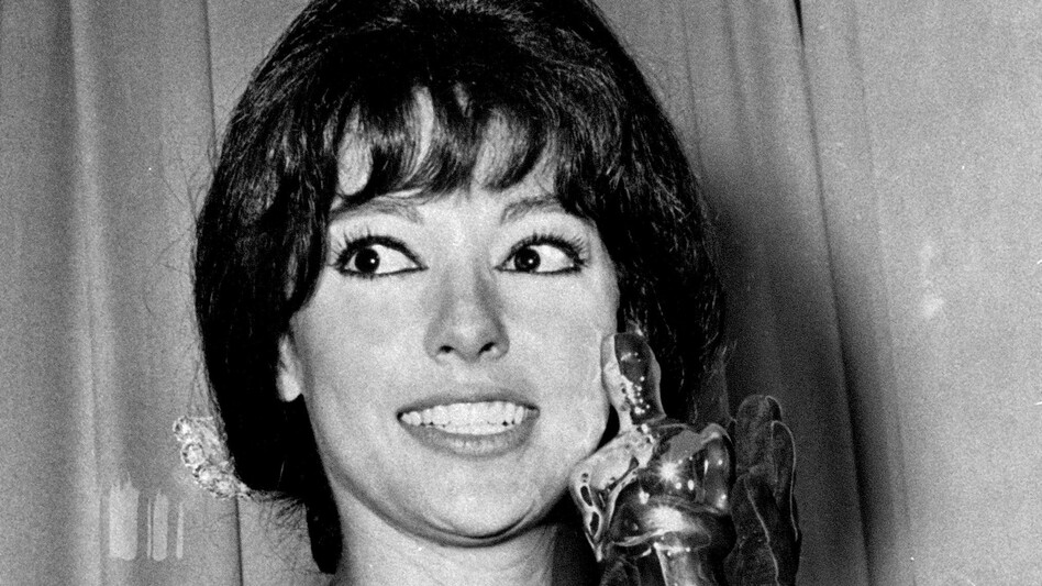 Actress Rita Moreno holds the Oscar she won at the Academy Awards ceremony at Santa Monica, Ca., April 9, 1962. She won best supporting actress of the year for her role in <em>West Side Story</em>.