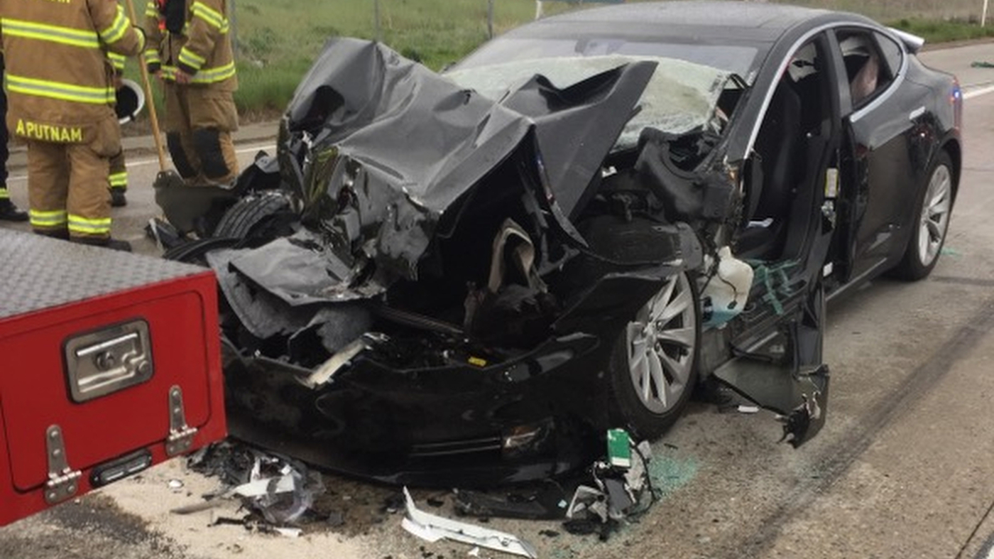 Federal Agency Investigates Tesla Crash; Driver Says Car Was On Autopilot