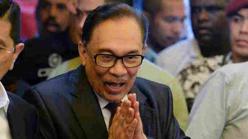 Jailed Malaysian Reformist Anwar Ibrahim Free After Royal Pardon