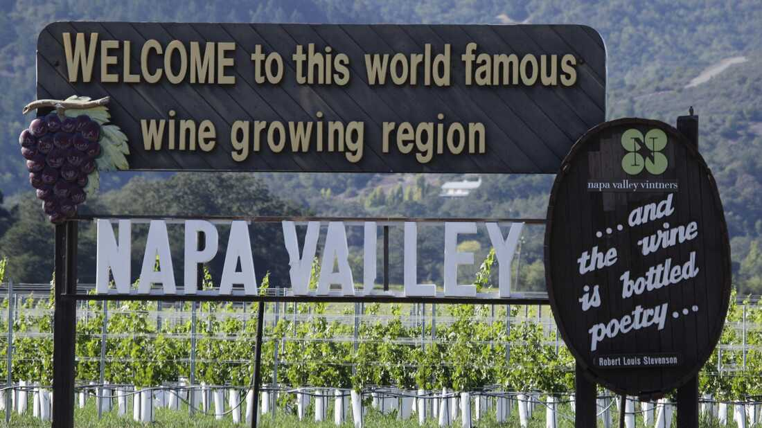 A sign welcoming visitors to the Napa Valley along Highway 29 in Oakville, Calif.