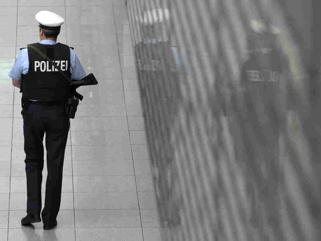 German Families Playing Hooky Stopped By Police At Airports, May Be Fined