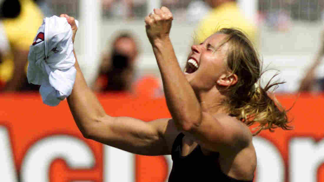 Group to redo soccer star Brandi Chastain plaque after social media uproar