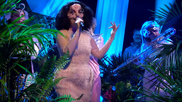 Björk performs on Later... With Jools Holland.