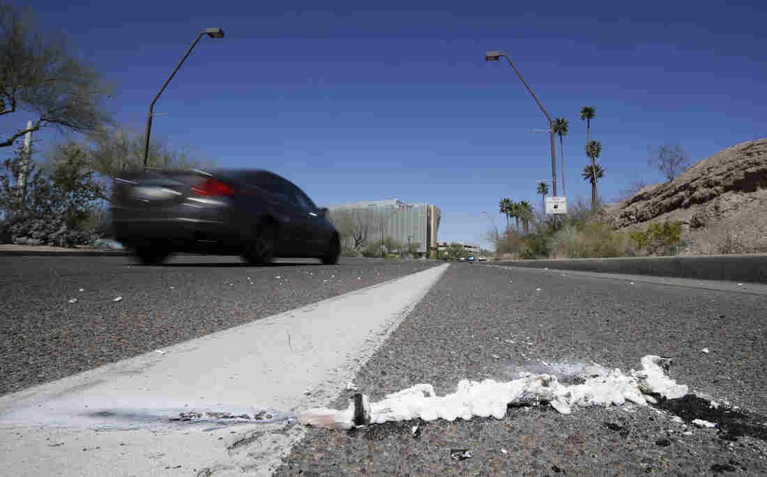 Uber self-driving car 'saw woman but didn't brake before crash'