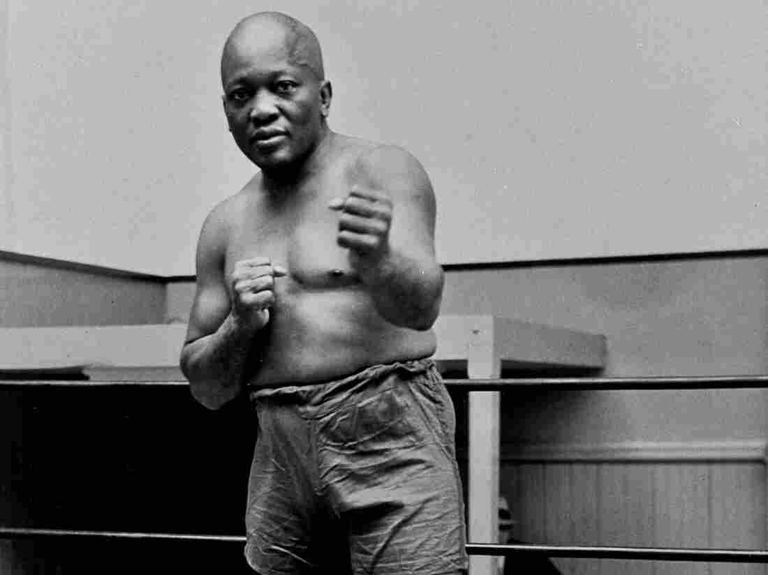 Trump posthumously pardons Jack Johnson, boxing's first black heavyweight champion