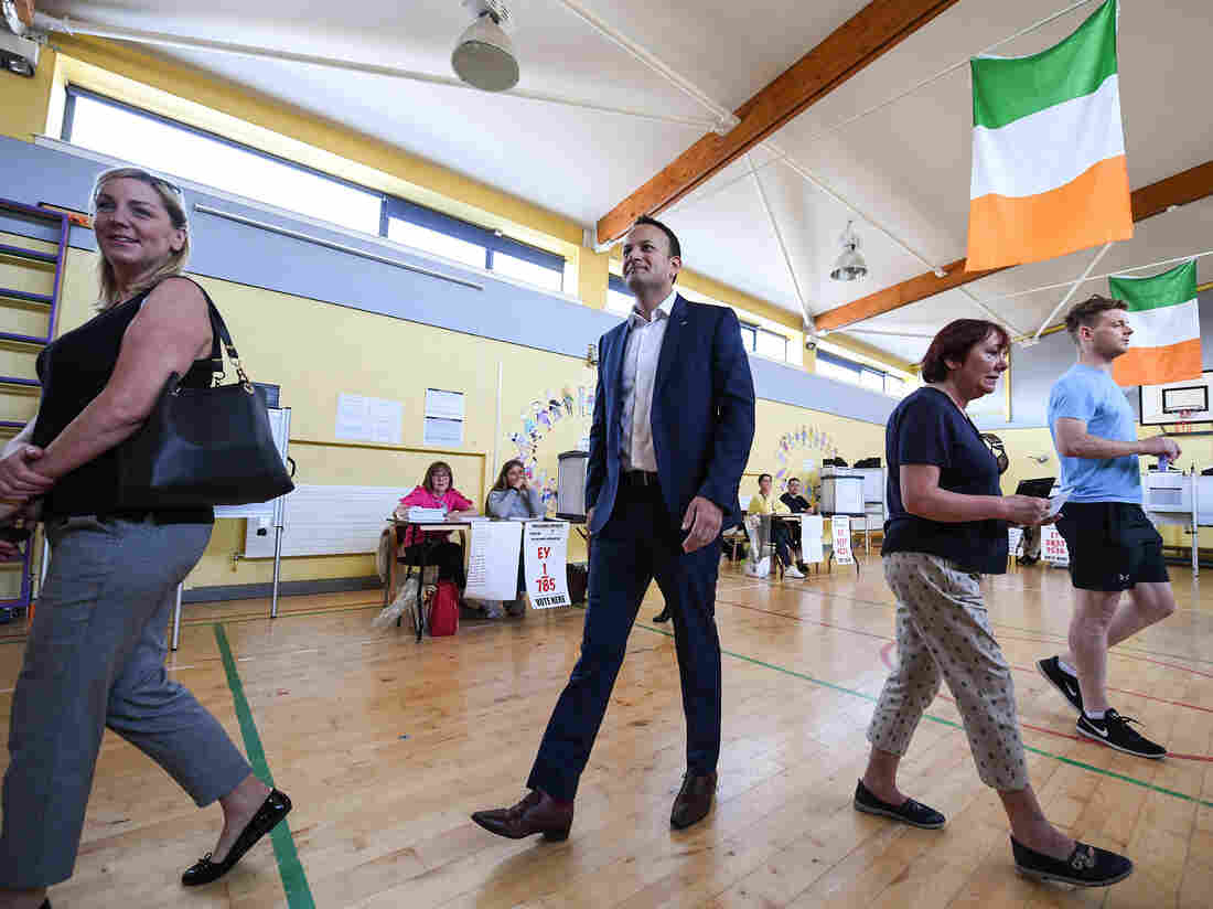 Voters go to the polls in Eighth Amendment referendum