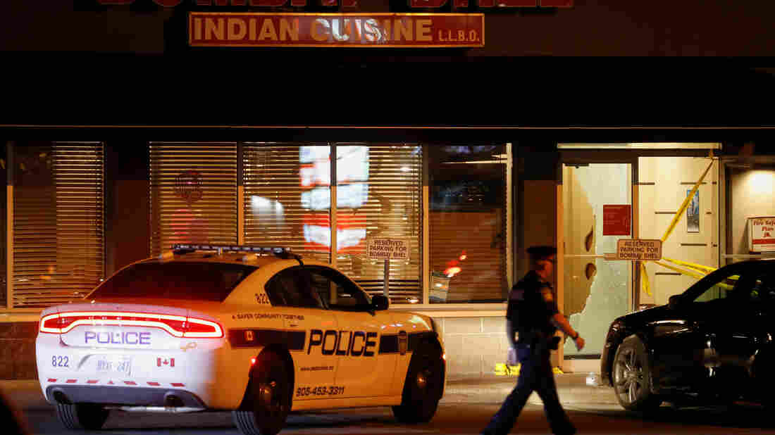 Suspects detonate IED in Canadian restaurant