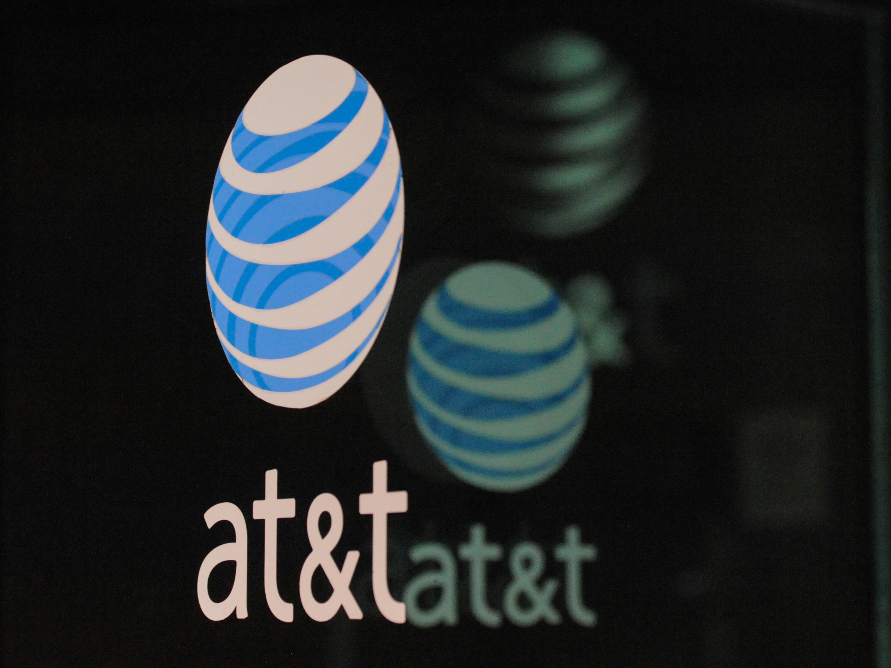 U.S. Judge Approves AT&T's $85 Billion Merger With Time Warner