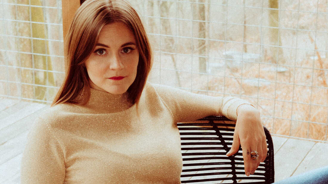 Erin Rae's Tender 'Putting On Airs' Is For The Space Between