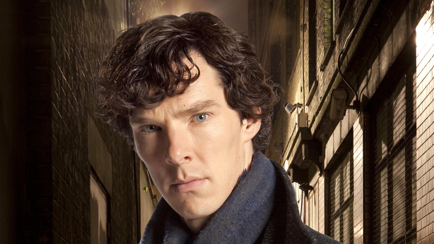 'Sherlock' Star Benedict Cumberbatch Saves Cyclist From Muggers