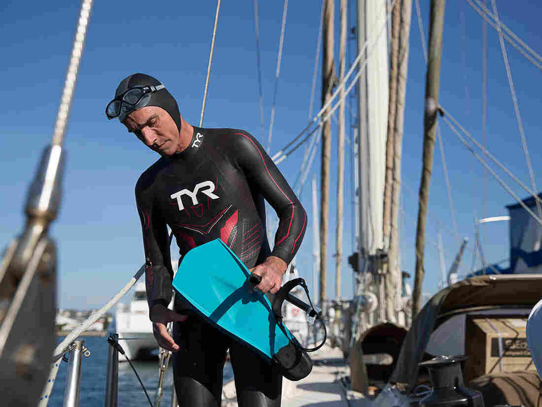 French Swimmer Begins Attempt to Swim Across Pacific Ocean