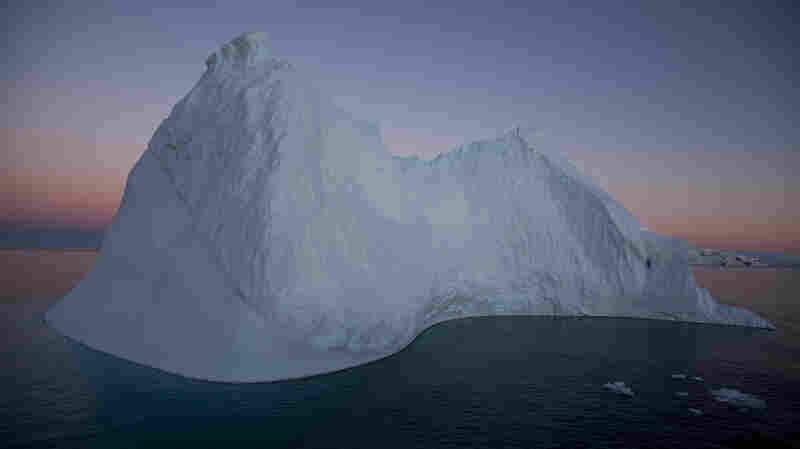 Photographer Captures The Contradictions Of Otherworldly Antarctica
