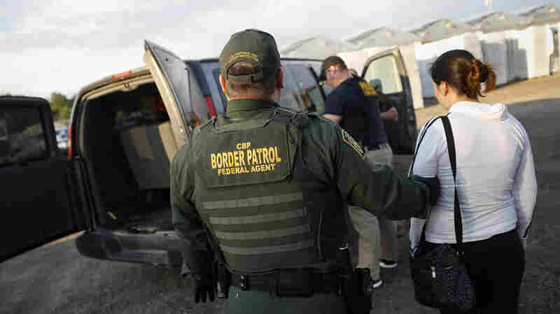 ICE Releases Minors Caught In Ohio Raid And Some Workers 'For Humanitarian Reasons'