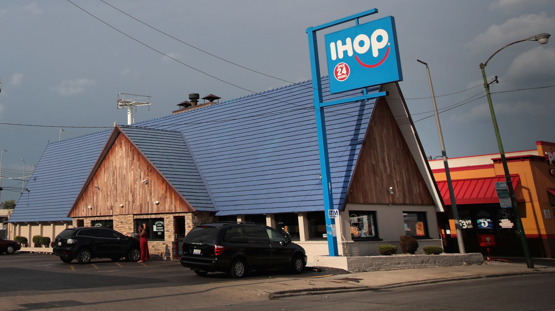 IHOP Says 'IHOb' — And The Internet Says, What?